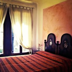 Such an #elegant room in #HotelSanSamuele! Perfect for #Venice #beautiful #Italy #travel #love #light  www.fleetinglife.com