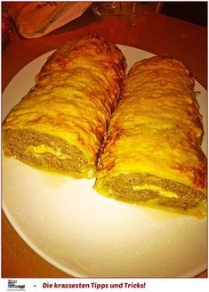 Puff pastry roll with minced meat - cheese - filling from .- Puff pastry roll with minced meat and cheese filling - Puff Pastry Recipes, Meat And Cheese, Party Snacks, Food Lists, How To Cook Pasta, Eating Habits, Mince Meat, Meat Recipes, Bratwurst Recipes