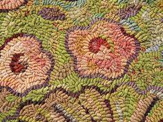 Fluted Vase rug hooking pattern close up