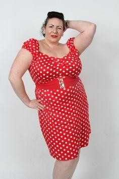 "Signorina Fabialosa aka Fabia Cerra. 5'7""-8"". British Buxom Burlesque Dancer. #FabiaCerra #Fabia #BurlesqueDancer #Burlesque #Curvy #Buxom #OZ #OmegaZone"
