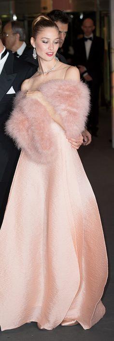 Pink faux fur stole
