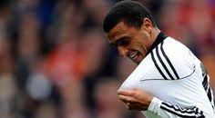 L'ancien joueur de l'Etoile Sportive du Sahel, Ahmed Akaïchi, a signé un contrat de trois ans avec l'Espérance Sportive de Tunis et pourrait jouer avec les Sang à partir du 1er Janvier 2013.