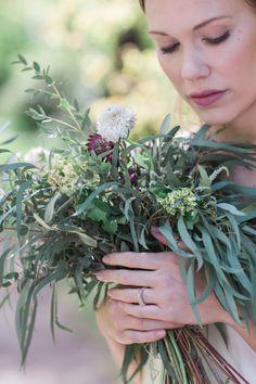 Wabi-sabi wedding inspiration Wedding Blog, Wedding Styles, Wedding Ideas, Eclectic Wedding, Wedding Flower Inspiration, Bridal Musings, Wedding Planning Tips, Wabi Sabi, Green Wedding