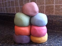 Natural playdough recipe. Fun colors!