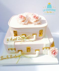 Luggage cake design