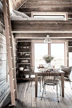 cabin = dining, ladder and loft space // Chalet des montagnes: Loft Spaces, Small Spaces, Country Decor, Farmhouse Decor, Rustic Cottage, Cahuita, Cabin Loft, Mini Loft, Country Living Magazine