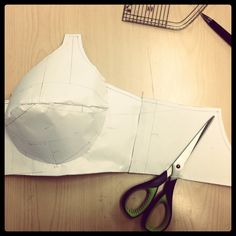 Lesson 6 : Drafting Basic Bra Patterns Today we learned how to draft basic bra… Sewing Bras, Sewing Lingerie, Jolie Lingerie, Bra Lingerie, Sewing Clothes, Lingerie Patterns, Clothing Patterns, Sewing Patterns, Underwear Pattern