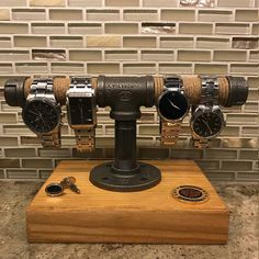Steel Pipe and Wood Watch Stand Rack Holder Stand
