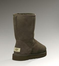 UGG Classic Short 5825 Chocolate3 on the lookout for limited offer,no duty and free shipping.