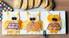 Owl meat and cheese tray. Cute way to serve party food :) Owl Party Food, Owl Food, Meat And Cheese Tray, Cheese Platters, Wine Cheese, Meat Trays, Meat Platter, Pizza Sans Gluten, Owl Birthday Parties