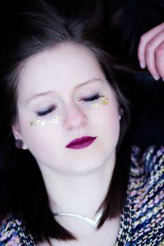 #darklips #leafgold #portrait #womenphotography #photography