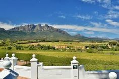 Reis | Maroela Media Wine Picnic Basket, River Walk, Luxury Accommodation, School Holidays, Travel And Tourism, Stunning View, Long Weekend, Hiking Trails, Places To Visit