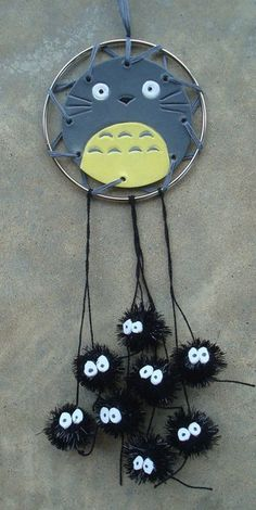 Totoro and Soot Sprites Dream Catcher 👉🏽👉🏽A My Neighbor Totoro fan?Do you like these Totoro Crafts Ideas? this board for more Totoro Painting?Totoro and Soot Sprites Dream Catcher Geek Crafts, Cute Crafts, Diy And Crafts, Crafts For Kids, Arts And Crafts, Totoro, Diy Y Manualidades, Anime Crafts, Ideias Diy