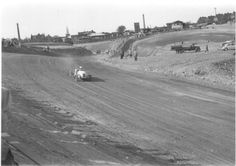 Midget training on the dirt track (early 1955)