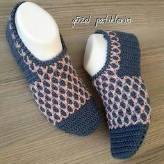 Geceye bir #tbt bırakayım Hayırlı Cumalar  . . . #patik #babetpatik #elişi #çeyizhazırlıģı #handmade #crochet #knitting #örgü #crochetstitch #babyshower #evdekorasyonu #gelinlik #bohça #iğneoyası #amigurimi #lif #instalike #örenbayan #a101 #bim #siparişalınır #tren646 #moda #tesettürabiye #keşfet #şal #eşarp #nako #instareklam