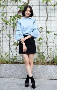 Korean Clothing Styles The Beige Blouse Snsd Fashion, Asian Fashion, Teen Fashion, Fashion Outfits, Girls Generation, Yoona Snsd, Korean Outfits, Fashion Sketches, Kpop Girls