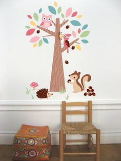 Owl decal in kids room