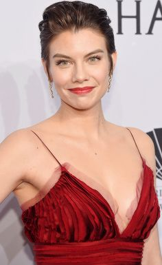 Lauren Cohan at the 2016 amfAR New York Gala at Cipriani Wall Street in New York City on February 2015 Lauren Cohan, Maggie Greene, Most Beautiful, Beautiful Women, Heidi Klum, Beautiful Celebrities, American Actress, Actors & Actresses, Boobs