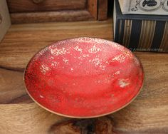 Red enamel-coated dish for jewelry, coins, keys or other small items. Made of copper.  Dimensions: Diameter: 133 mm (5.24) Height: 30 mm (1.18)  Weight 235 g (0.52 lb)  In very good vintage condition. No damages.   ******************************************************************************  Please do not hesitate to contact for any further details.  Also please check the shop policies. This will help to avoid any misunderstanding in communication…