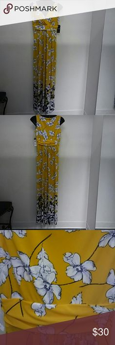 Chaps Yellow Floral Maxi Dress Size Small NWT- Chaps Yellow & Navy Floral Maxi Dress Size Small. Beautiful!!! Chaps Dresses Maxi
