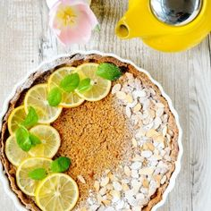 Lemon and almond tart with butter - very delicious and elegant. (in Polish with translator)