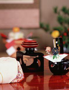 Japanese Oshogatsu, New Year's Table Setting (Shikki Lacquerwares)|お正月のテーブルコーディネイト