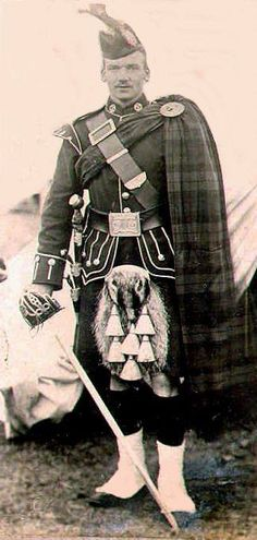 Officer Argyll and Sutherland Highlanders c1900