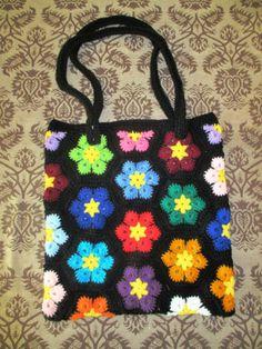 crochet hexagon bag made by me Crochet African Flowers, Crochet Flower Patterns, Crochet Stitches Patterns, Crochet Chart, Knit Crochet, Crochet Handbags, Crochet Purses, Patchwork Bags, Hexagon Patchwork