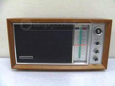 Panasonic AM/FM Desktop Radio RE-7259