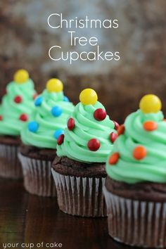 8 CHRISTMASSY CUPCAKES TO MAKE