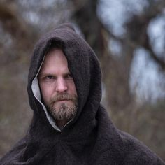 ⚔️ Viking hood ⚔️. Viking hette modell Oseberg  i ull med linfor.  Perfekt for kalde mai dager !  #vikingklær #vikinghoods #skjoldehamnhood #norseman #norse #norsewarrior #skjoldehamnhood #vikings #vikinglife #vikingreenactment #vikingbeard #vikingpower #norskdesign #norskkulturarv #norge #vikingarv #ull #ullhette #ullklær #ullergull