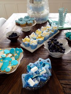 diapercake, cupcakes, pregnant, outandabout, friends, kos, bliss, its a boy, blue, candy, cookies, grapes, straw, decor
