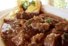 Carbonnade - a flamand pörkölt Proof Of The Pudding, Hungarian Recipes, Hungarian Food, Meat Recipes, Bacon, Meals, Cooking, Cook Books, Red Peppers