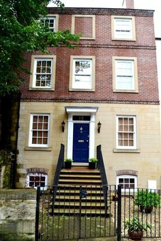 South Street, Durham Rent: £4000 pcm – Available: NOW – letslivehere welcome to the market the very best property in our entire portfolio; a stunning, 5 bedroom, 5 bathroom home in the centre of Durham