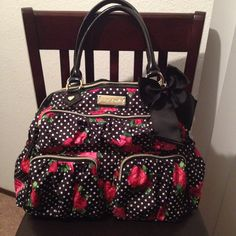 Betsey Johnson polka dot with roses Diaper bag ❤️ Cute Diaper Bags, Girl Diaper Bag, Betsy Johnson Purses, Betsey Johnson, Polka Dot Bags, Baby On The Way, Cool Baby Stuff, Kid Stuff, Best Bags