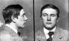 Raymond Callemin, dit Raymond-la-Science, le jour de son arrestation. Son surnom lui a été donné par ses camarades illégalistes, soit parce qu'il citait la science à tout propos, soit parce qu'il la ramenait un peu trop. Exécuté le 21 avril 1913. Au pied de la guillotine, il lance au public en riant : «C'est beau, hein, la mort d'un homme!»