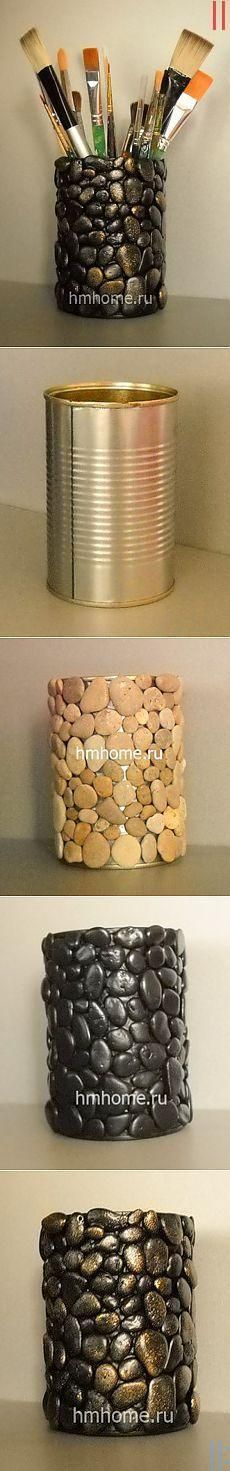 Pebble craft: DIY vase or container. Tin Can Crafts, Fun Crafts, Diy And Crafts, Crafts For Kids, Arts And Crafts, Creation Deco, Ideias Diy, Stone Crafts, Pebble Art