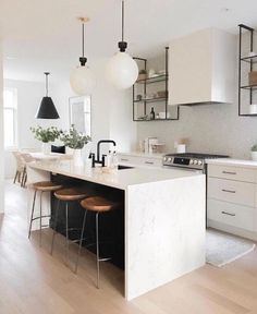 Supreme Kitchen Remodeling Choosing Your New Kitchen Countertops Ideas. Mind Blowing Kitchen Remodeling Choosing Your New Kitchen Countertops Ideas. Black Kitchens, Cool Kitchens, Kitchen Black, Modern White Kitchens, Kitchen Yellow, Little Kitchen, Black And Cream Kitchen, Black Kitchen Chairs, Cream Kitchens
