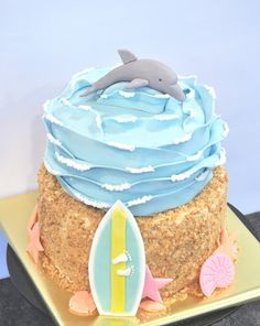 Devanys Designs: Dolphin Surfer Cake  Cool waves.  No need for surfboard or sand bottom