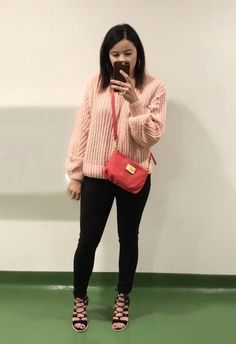 Casual out outfit. Unfortunately the purse I have is discontinued but I linked the new style of the bag if you wanted the same look.  #ShopStyle #MyShopStyle #ootd #mylook #fallfashion #lookoftheday #getthelook #todaysdetails