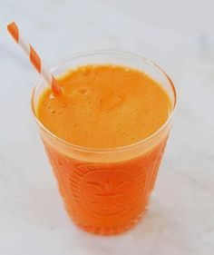 We've curated the best juicing recipes just for you. Check out these amazing juicing recipes and these great video resources. Carrot Apple Juice, Carrot And Ginger, Papaya Juice, Cucumber Juice, Best Juicing Recipes, Healthy Juice Recipes, Harry Potter Pumpkin Juice, Pineapple Orange Juice, Coconut Drinks