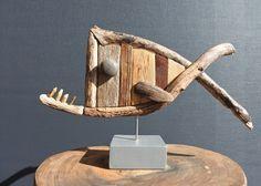 Een persoonlijke favoriet uit mijn Etsy shop https://www.etsy.com/nl/listing/526549737/driftwood-fish