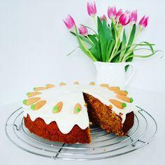 Karottenkuchen, Rüblikuchen oder Möhrenkuchen, ein raffiniertes Rezept aus der Kategorie Backen. Bewertungen: 785. Durchschnitt: Ø 4,7.