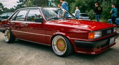 lt Old but really not the Audi 80 – Automanas. Audi Sport, Sport Cars, Red Audi, Sports Car Wallpaper, Fitness Gifts, How To Make Tea, Audi A4, Car Wallpapers, Audi Quattro