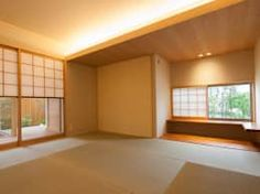 桜を望む家: 一級建築士事務所 Eee works が手掛けた多目的室です。