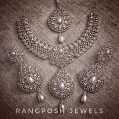 Indian bridal jewelry sets dream ring 26 new Ideas Silver Bridal Jewellery, Pakistani Bridal Jewelry, Indian Bridal Jewelry Sets, Fancy Jewellery, Wedding Jewelry Sets, Bridal Accessories, Diamond Jewellery, Bridal Lehenga, Wedding Jewellery Inspiration