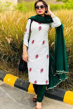 Punjabi Suit Boutique, Punjabi Suits Designer Boutique, Boutique Suits, Indian Designer Suits, Indian Designers, Salwar Suit Neck Designs, Neck Designs For Suits, Kurta Neck Design, Embroidery Suits Punjabi