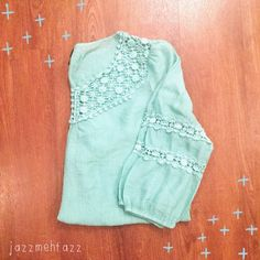 ❗️FLASH❗️Teal Lace Tunic Cute! 30% Nylon 70% Rayon Size Large Tops Tunics