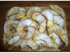 Slovak Recipes, Czech Recipes, Kiflice Recipe, Fruit Roll Ups, Bread And Pastries, 20 Min, Sweet Cakes, Desert Recipes, Snacks