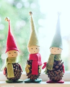 These darling Pine Cone Elves are easy to make and go perfectly with any Christmas decorations! Visit our 100 Days of Homemade Holiday Inspiration for more recipes, decorating ideas, crafts, homemade gift ideas and much more! - This Holiday Crafting Noel Christmas, Christmas Projects, Winter Christmas, Holiday Crafts, Christmas Ideas, Party Crafts, Pinecone Christmas Crafts, Christmas Cards, Christmas Sweet Cones